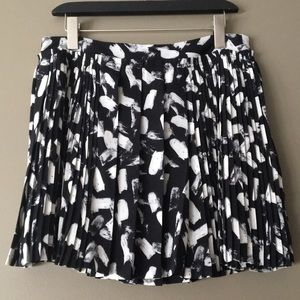 BR Pleated Mini Skirt